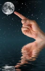 moon-finger